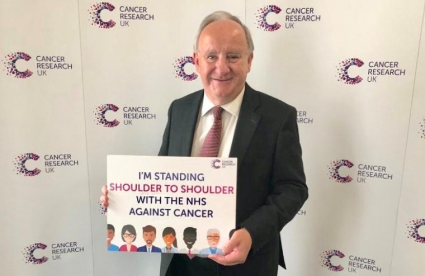 Laurence at the Cancer research event